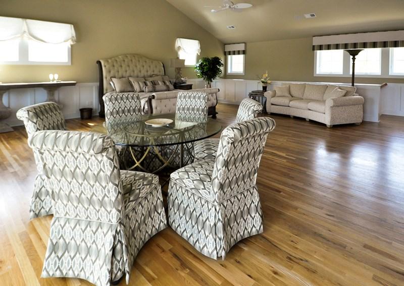 Bridal suite seating area