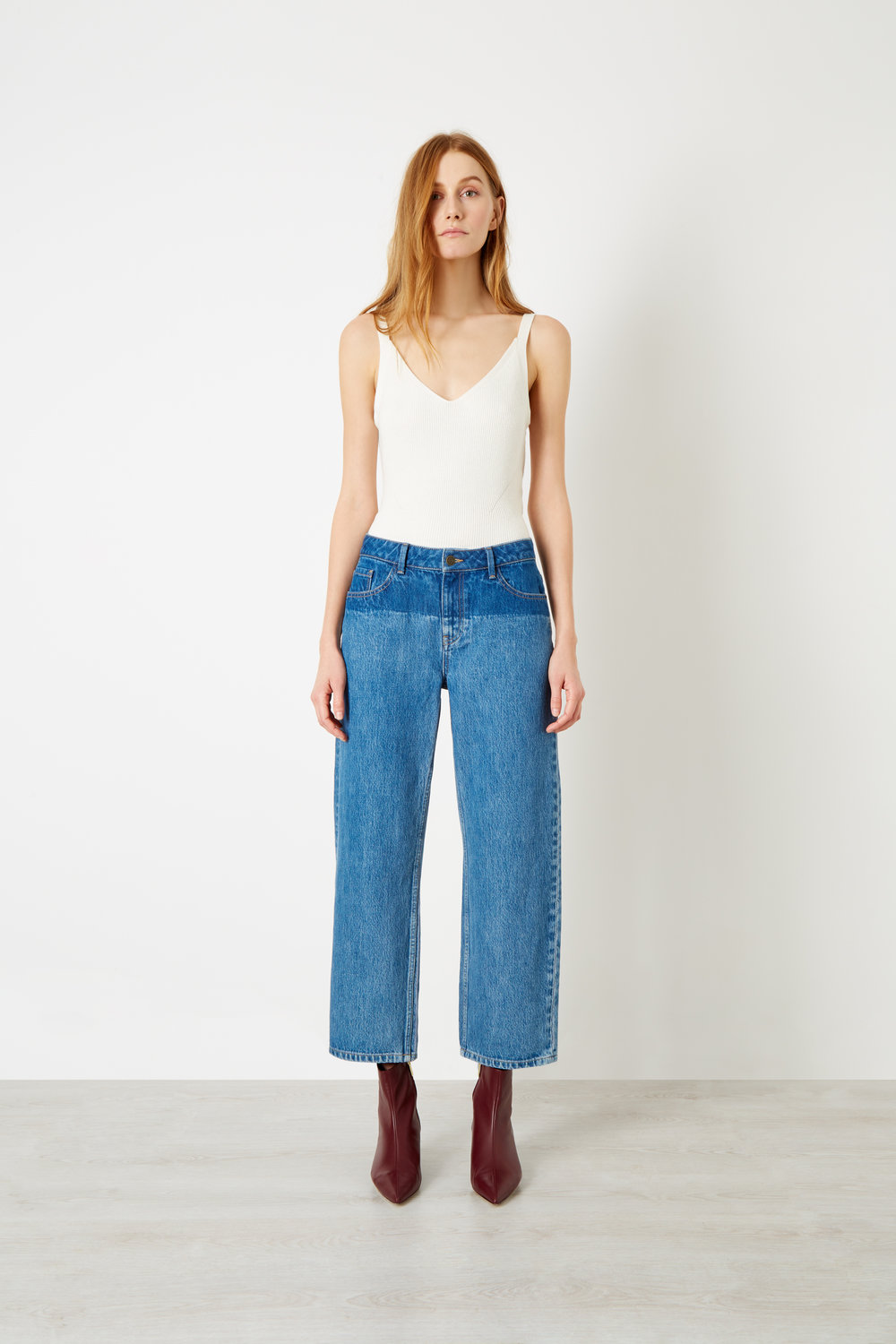 Boyfriend- The perfect boyfriend - The casual relaxed fit, for maximum sexy comfort.Easy relaxed fit, straight from the top of thigh through the leg.