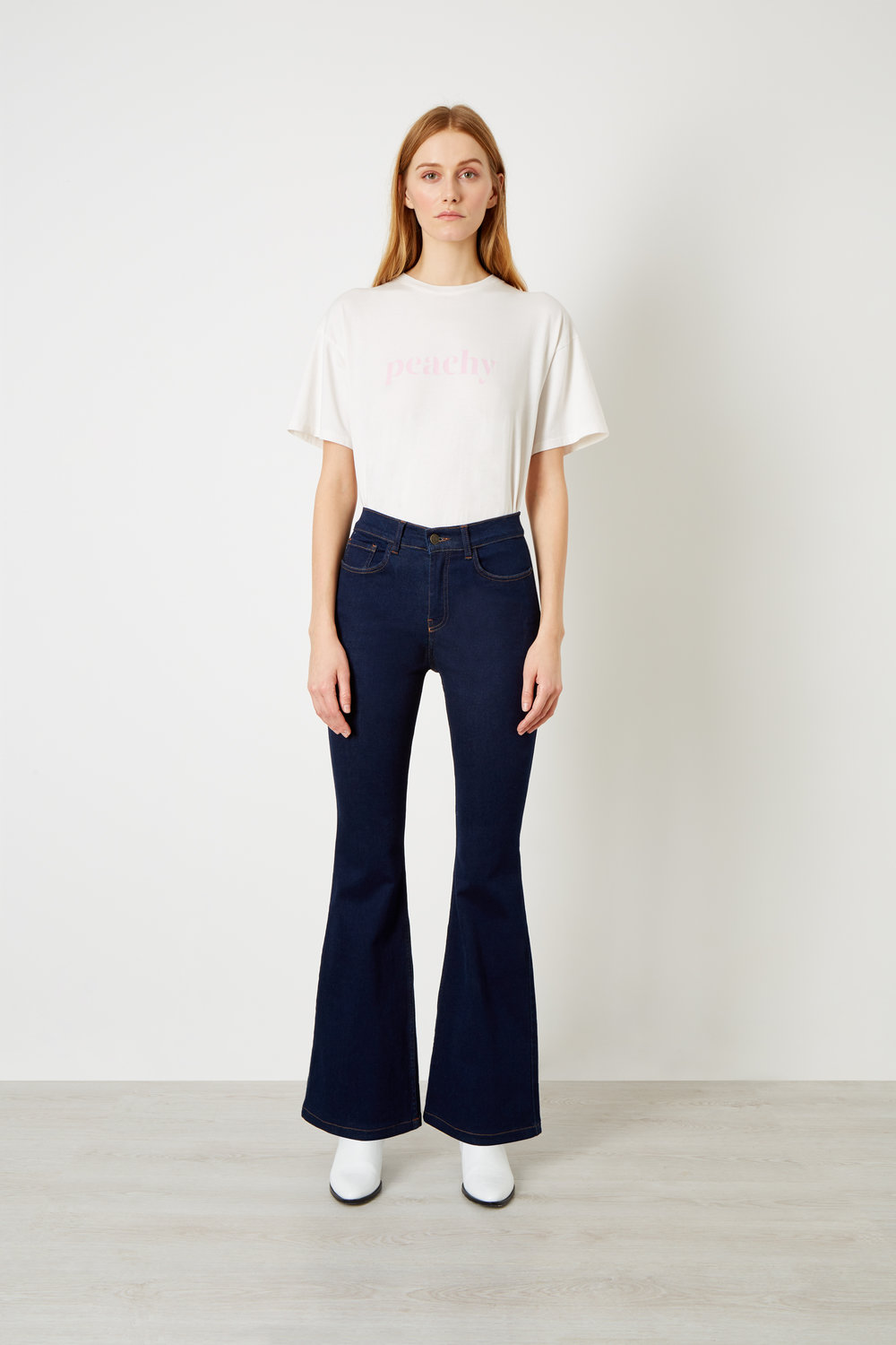 Flare- The super model leg - The ultimate leg elongator.Fitted through hips and thigh, flares from knee to hem.
