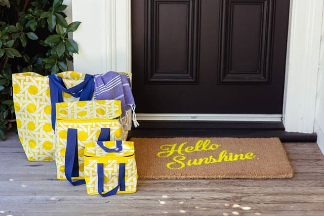 Hello Sunshine...where have you gone?! We have these awesome reusable bags just arrived from Project Ten. Perfect for summer days...picnics, trips to the beach, friends bbqs...or if all else fails be the best dressed at the supermarket checkout! Loving these bright options! Online now www.shopblackbird.nz