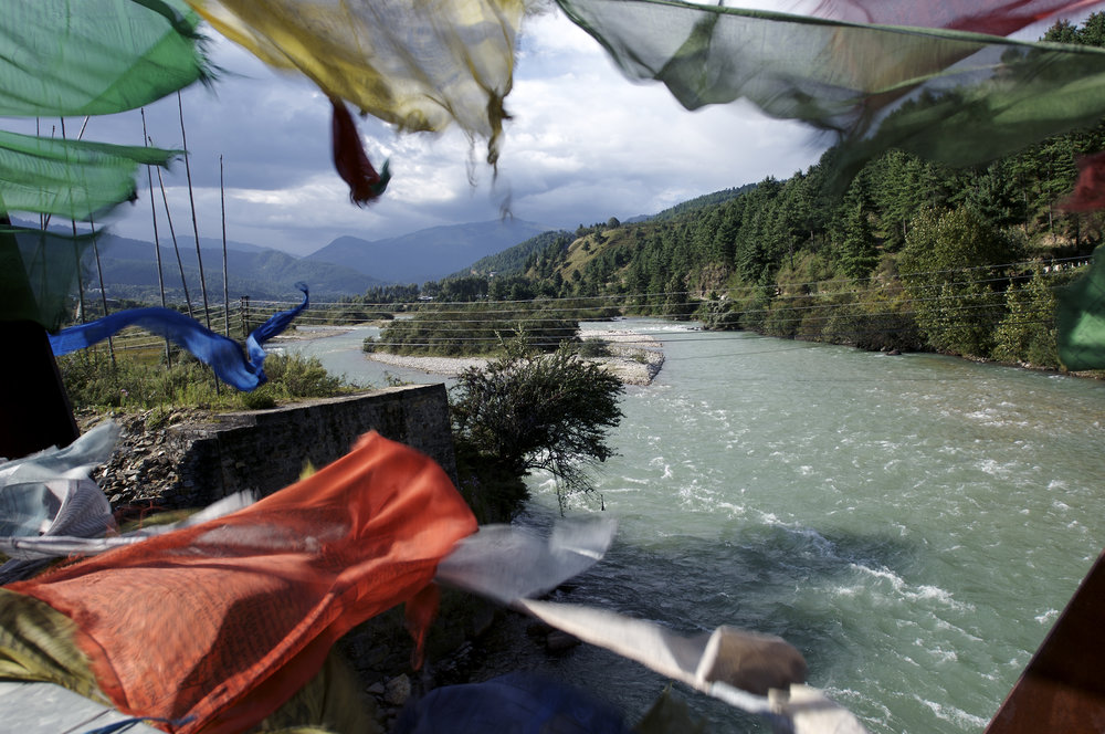 Prayerflags    blowing over the river Chamkhar Chu 21.09.07 in Bumthang