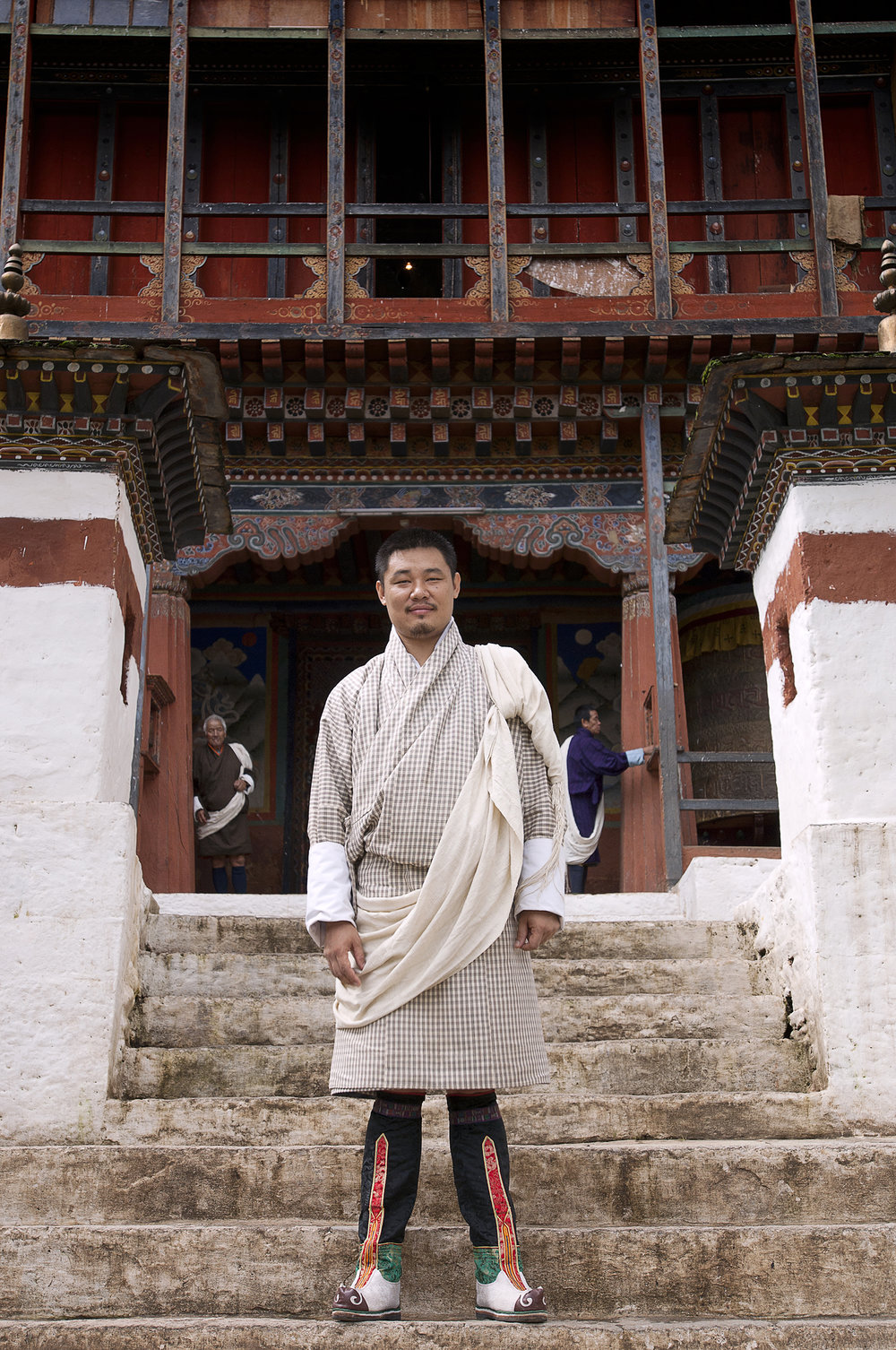 Web_Buthan_Sonam infront of the wandi Dzong .jpg