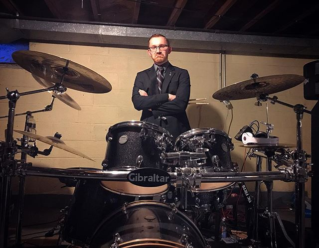 #tfw @eclipticvision practice gets cut short because someone dies and your drummer has to go pick them up. #funeraldirectorproblems