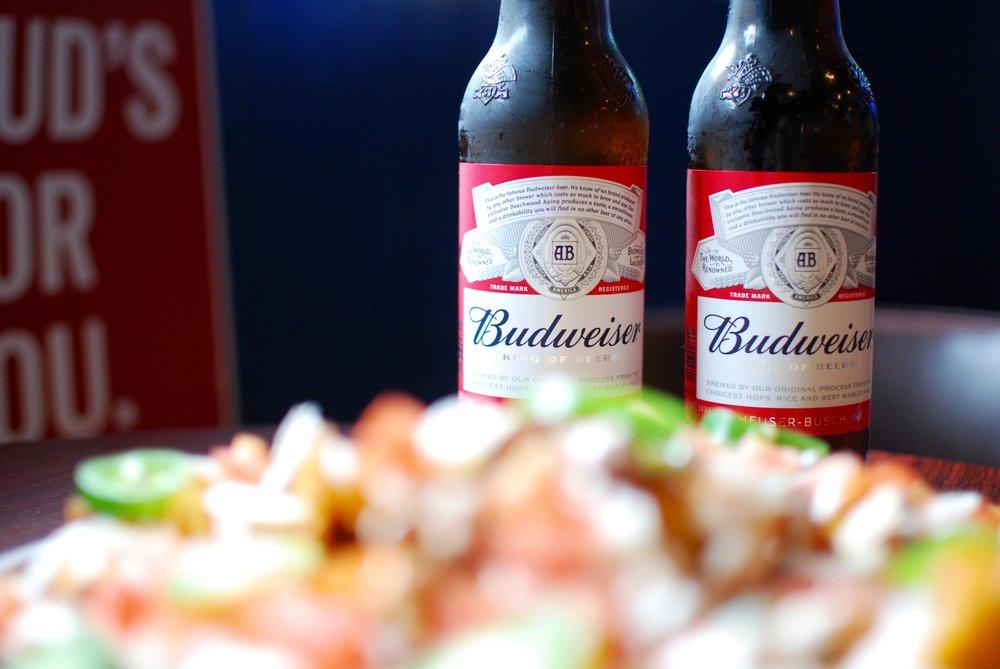 Budweiser with nachos.jpg