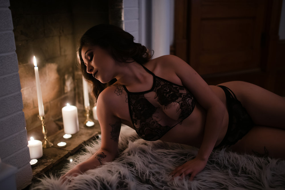 Amy Cloud PhotographyCandle Boudoir 011.jpg