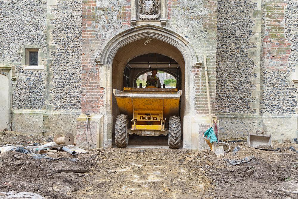 Glynde Place - Phase I - Dumper squeezing into courtyard (Carlotta Luke).jpg