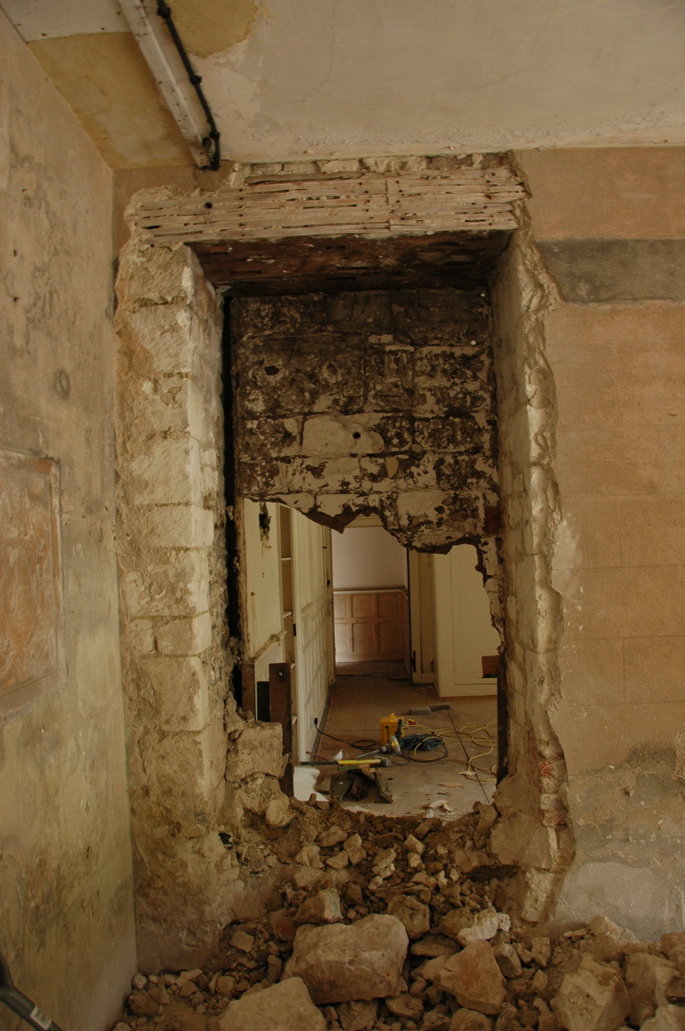 Glynde Place - Phase I - Reopening Entrance Hall apeture (Carlotta Luke).JPG