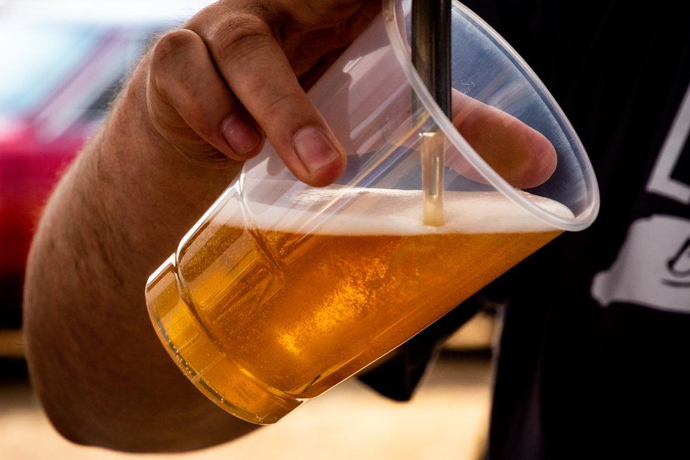 Beer adult-alcohol-bar-1301390.jpg