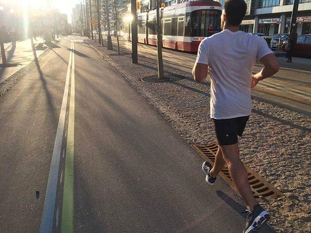 Taking full advantage of this gorgeous February day 🌞  #running #health #waterfront #run #jogging #exercise #summer #Toronto #fitness #training #sunset #dusk #finally #physio #chiro #massage