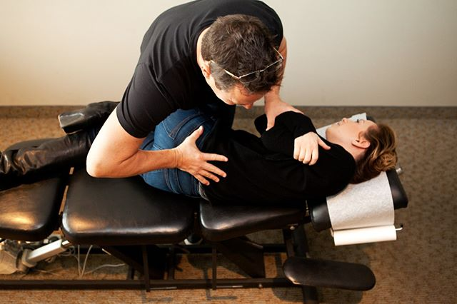 Are you in #Toronto and need to chill out? It's Saturday so give us a call and see one of our practitioners for chiropractic care, physiotherapy, massage or acupuncture. We are open NOW so call and book your appt now 416-972-6279 #cffhp #chiropracticcare #chiropractor #physiotherapy #massage #acupuncture #relax #reset #saturday #takecareofyou #goodmorning