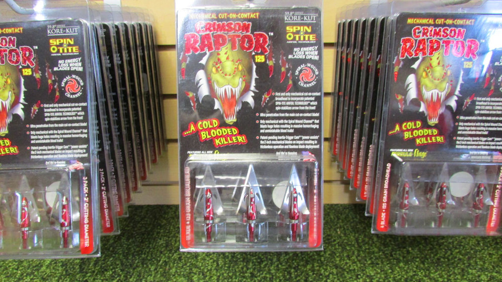 Crimson Raptor Broadheads - 3 pack 125gr. Fixed blade with 2 expandable blades$16.99