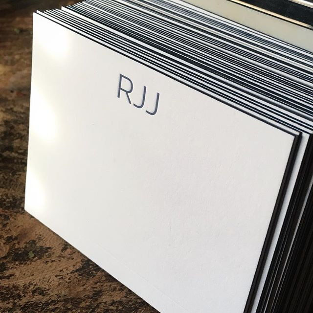 Personalized edge painted stationery.  #letterpress #stationery #monogram #edgepainting #cards
