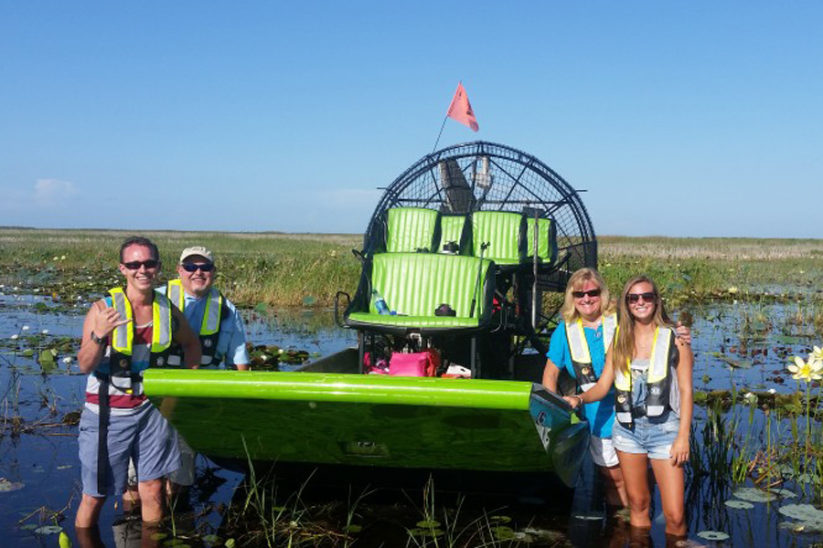 Florida Airboat Charters - This is an airboat charter service offering the best airboat tours available on Lake Okeechobee. There no better way to see all of what Lake Okeechobee has to offer than zooming around on a high-speed airboat. It's 100% safe and fun for the whole family!