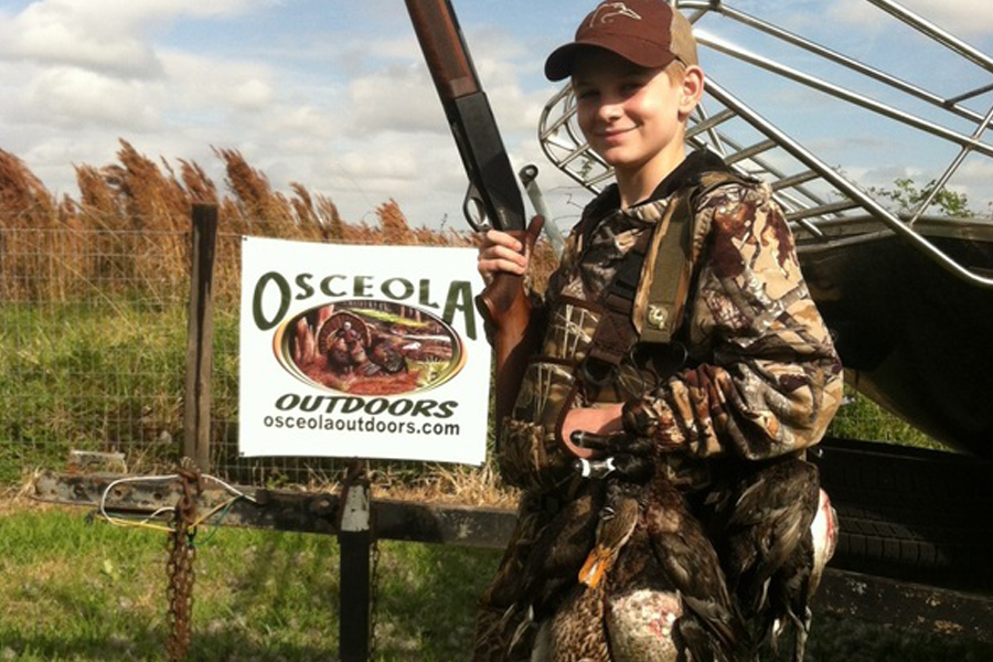 Osceola Outdoors - Osceola Outdoors is one of the finest guide services in Florida, offering gator, Osceola turkey, wild hog, duck, and predator hunting. These hunts on 12,000 acres of private ranch land where wildlife populations are managed, nurtured, and protected.