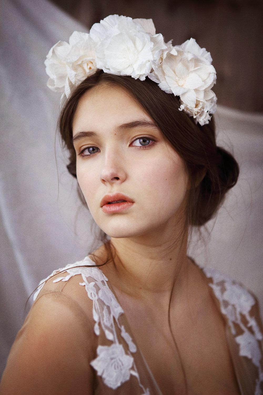 Voici des fruits, des fleurs, des feuilles et des branches Et puis voici mon coeur qui ne bat que pour vous. - Green Paul Verlaine