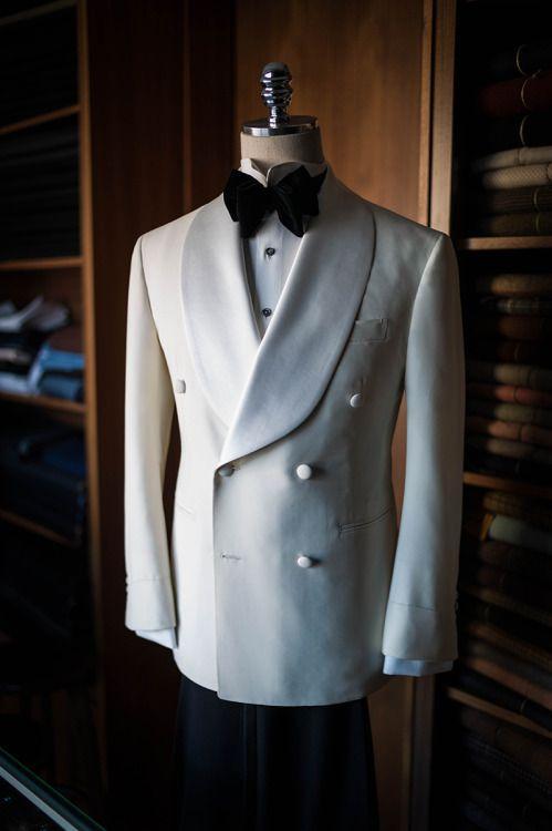 white-tuxedo-double-breasted-velvet-bowtie