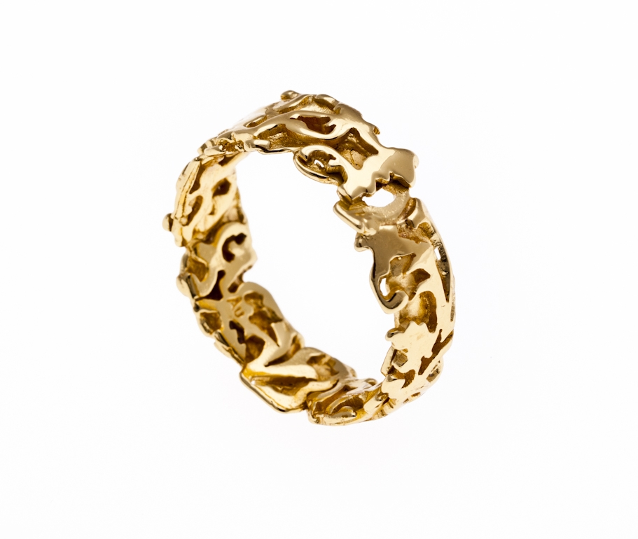 Baroque inspired wedding band cast in 18K Recycled Gold.