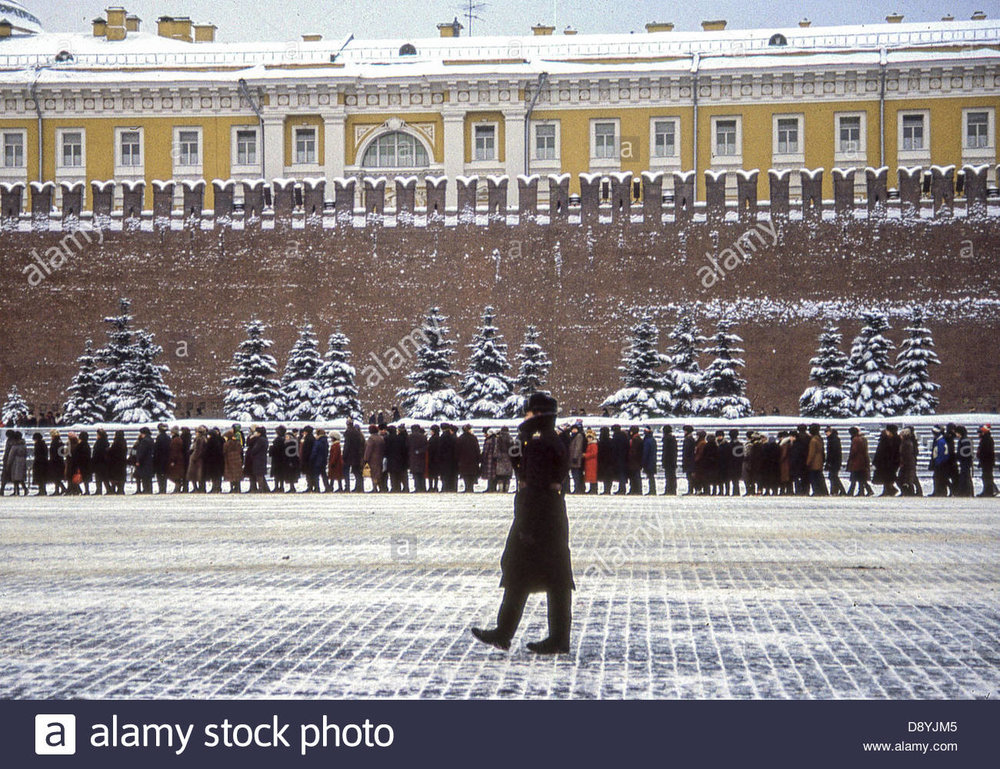 feb-3-1989-moscow-ru-a-moscow-policeman-paces-snow-covered-red-square-D8YJM5.jpg
