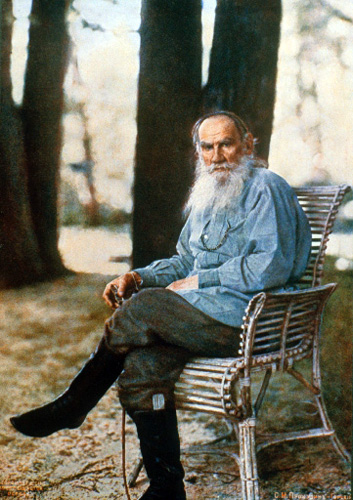 Lev Tolstoy in Yasnaya Polyana (1908)    The first Russian color photo portrait