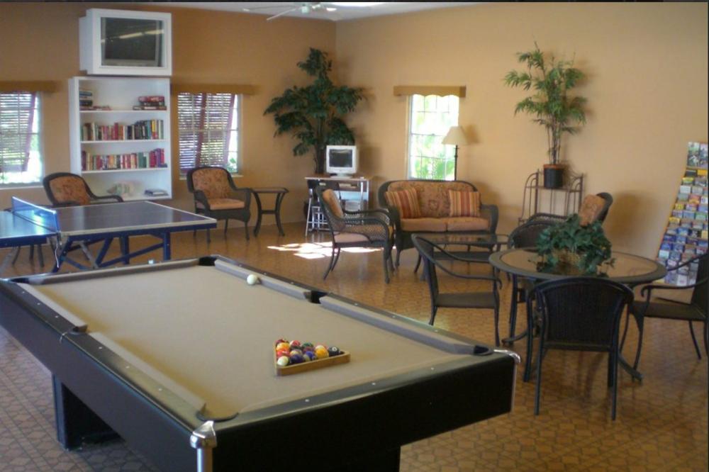 Amenities Siesta Key Condo - Pool table key