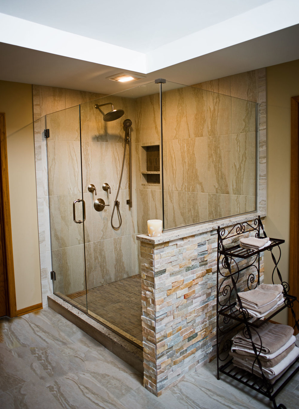 Long-Grove-Master-Bath-3-web.jpg