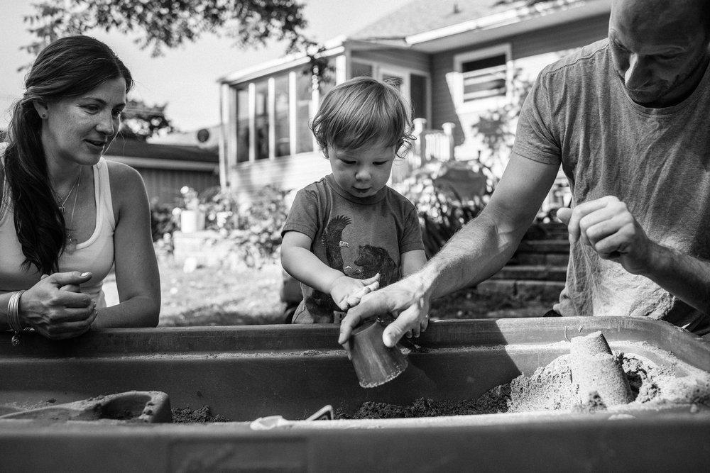 family documentary photography in kingston by viara mileva-090203vm.jpg