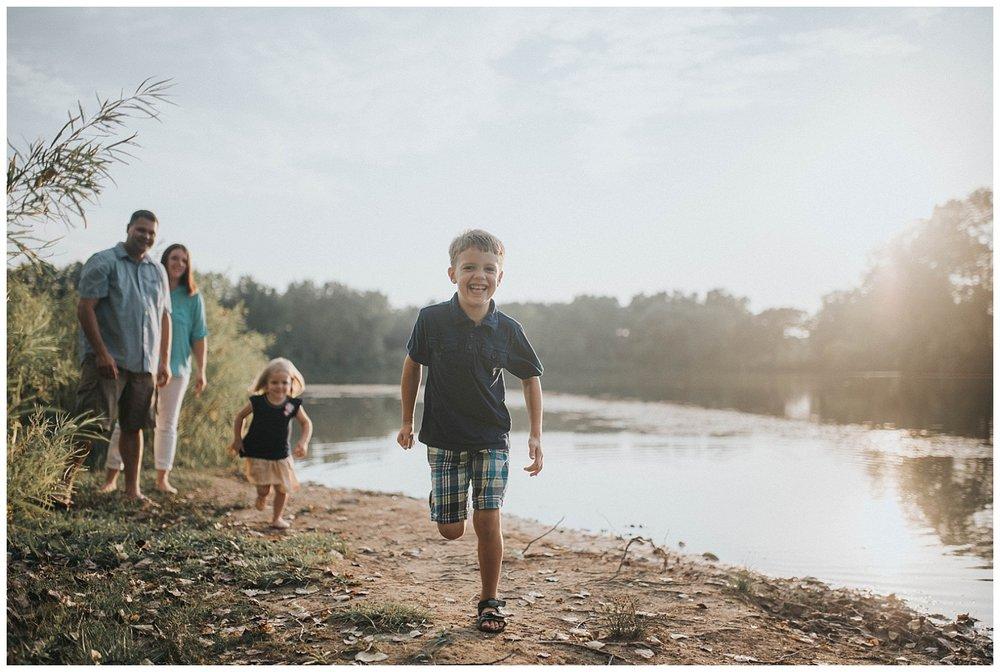 Waukesha-Family-Lifestyle-Photographer (12).jpg