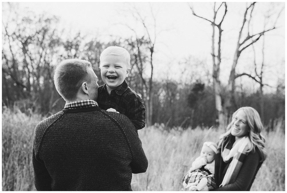 Pewaukee-lifestyle-family-photographer (5).jpg