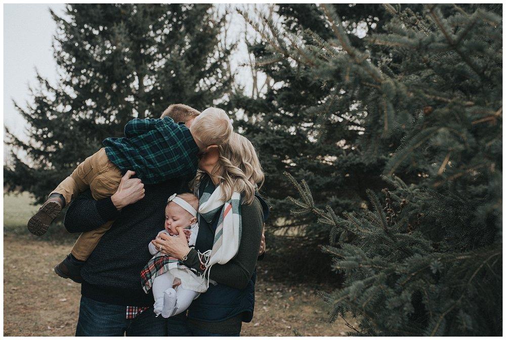 Pewaukee-lifestyle-family-photographer (14).jpg