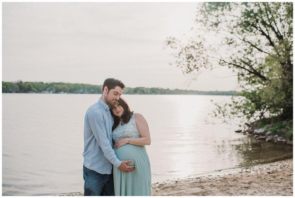 Milwaukee-Maternity-Photographer-2019 (7).jpg