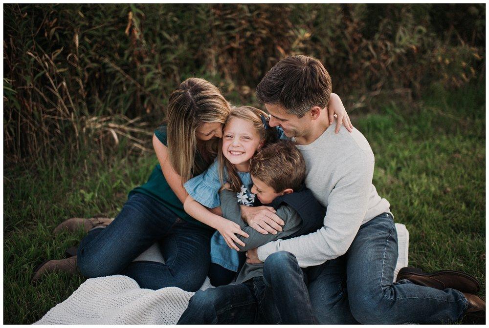Brookfield-family-photographer-mini-session (3).jpg