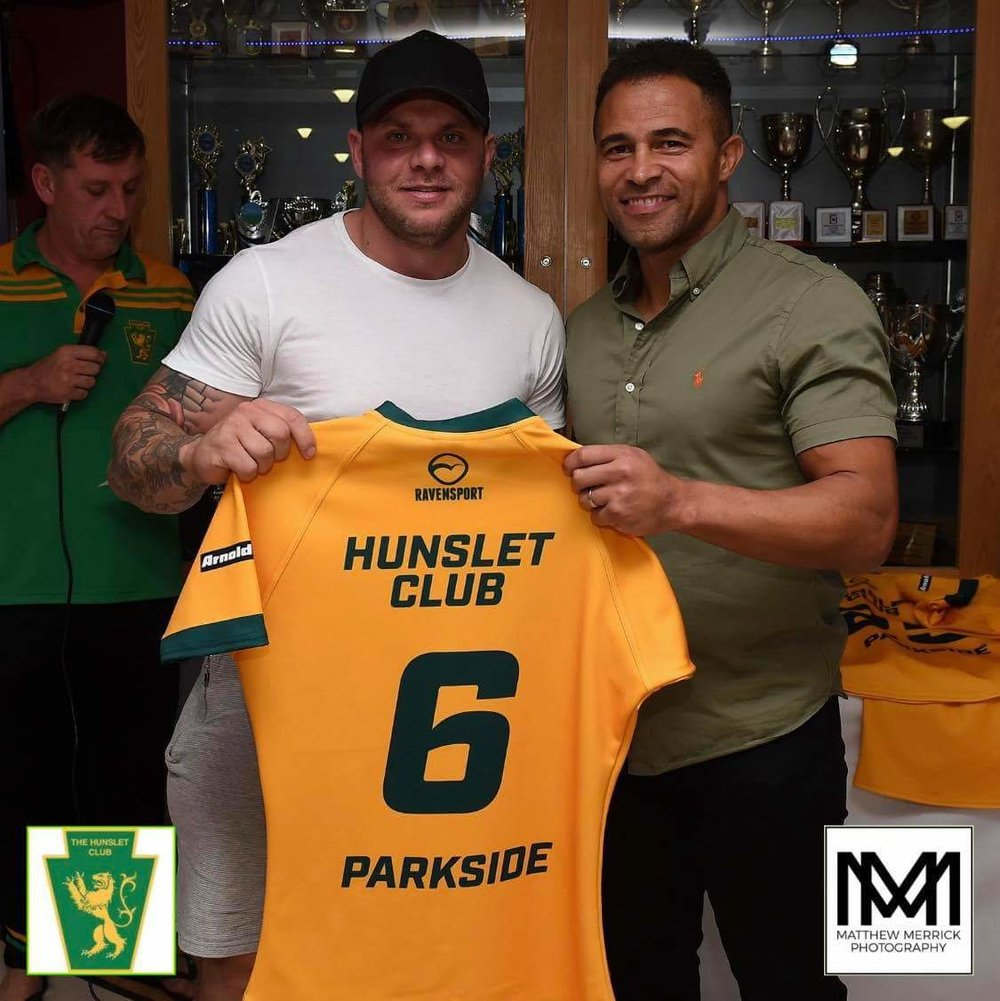 England legend Jason Robinson presented the Grand Final shirt to Hunslet players.