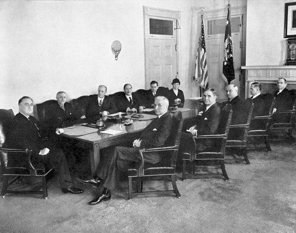 US Cabinet -
