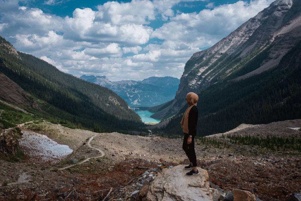 Mountainous back-view of Lake Louise