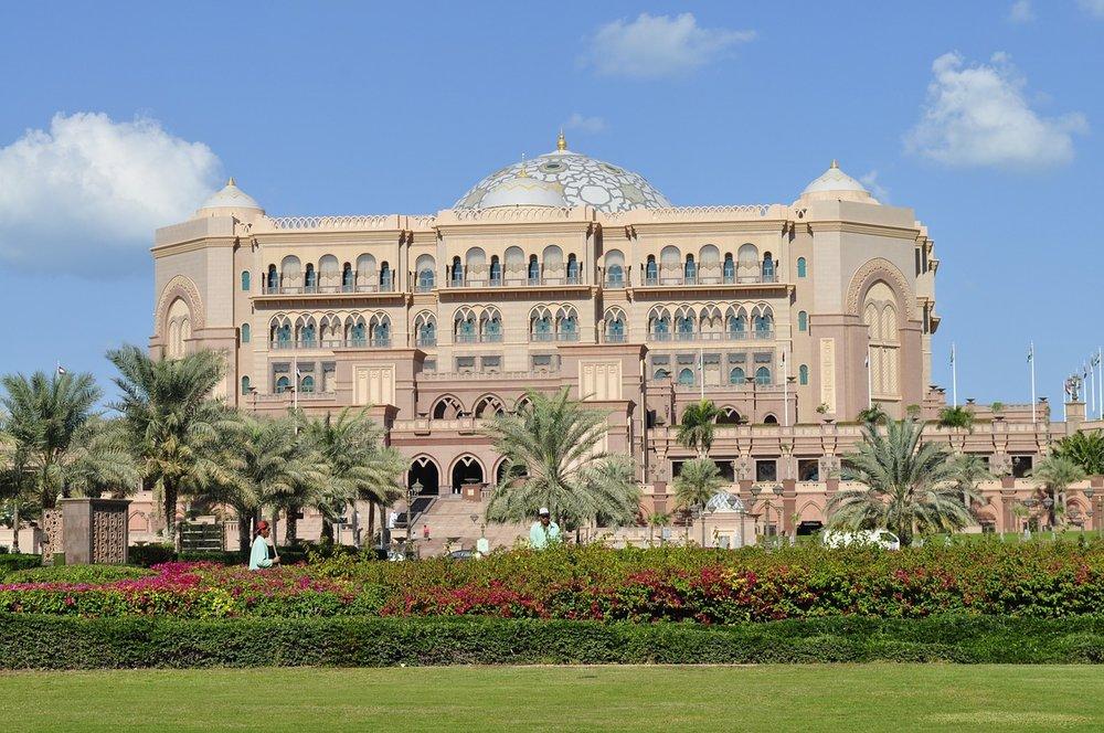 emirates-palace-hotel-1118956_1280.jpg