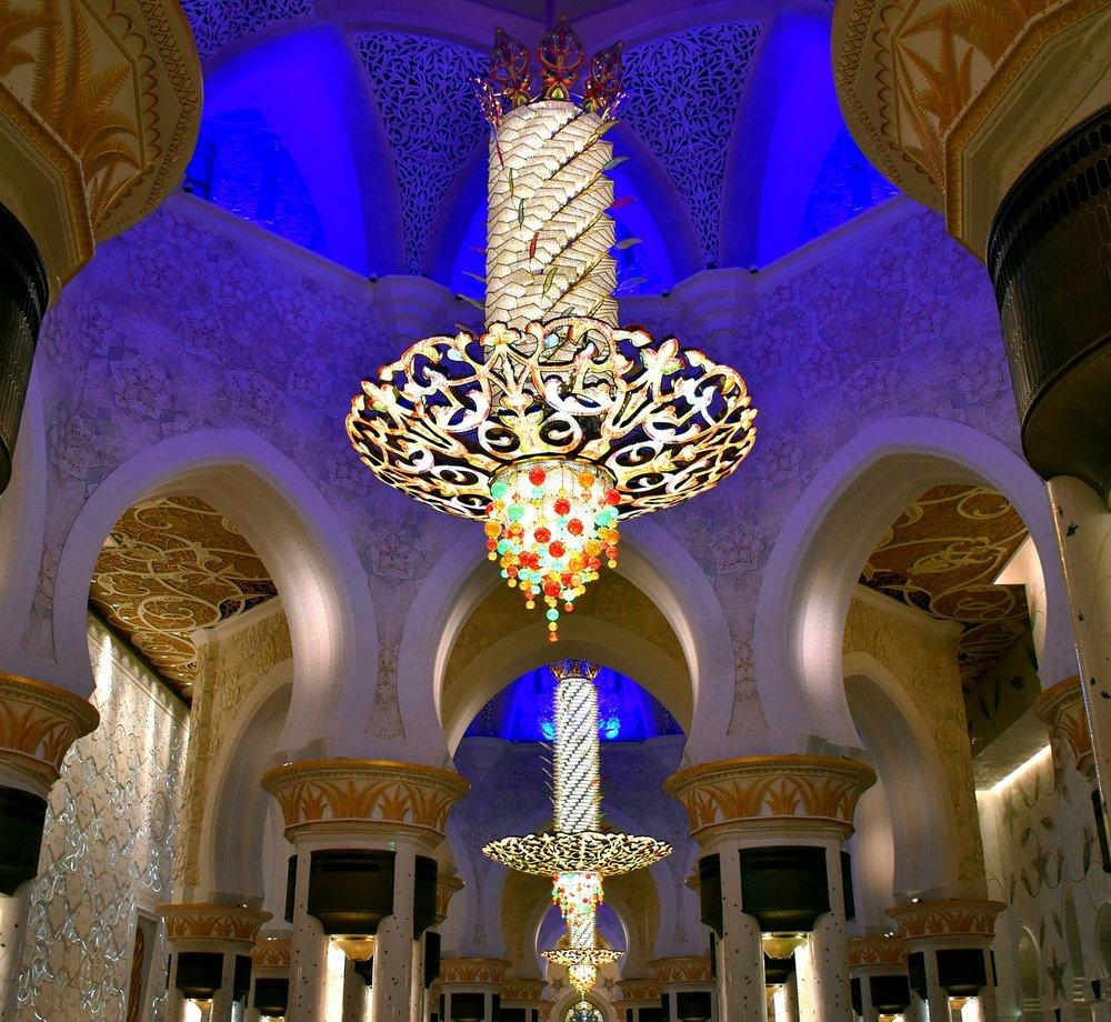 chandelier-2292410_1280.jpg
