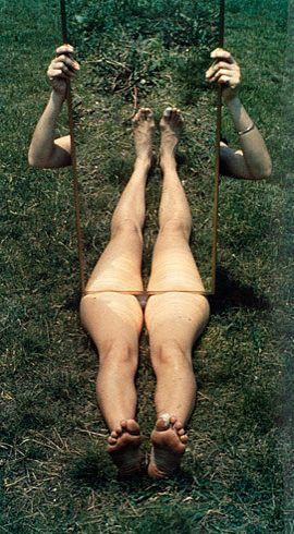. - Joan Jonas. Mirror Piece I. 1969 - Guggenheim Museum