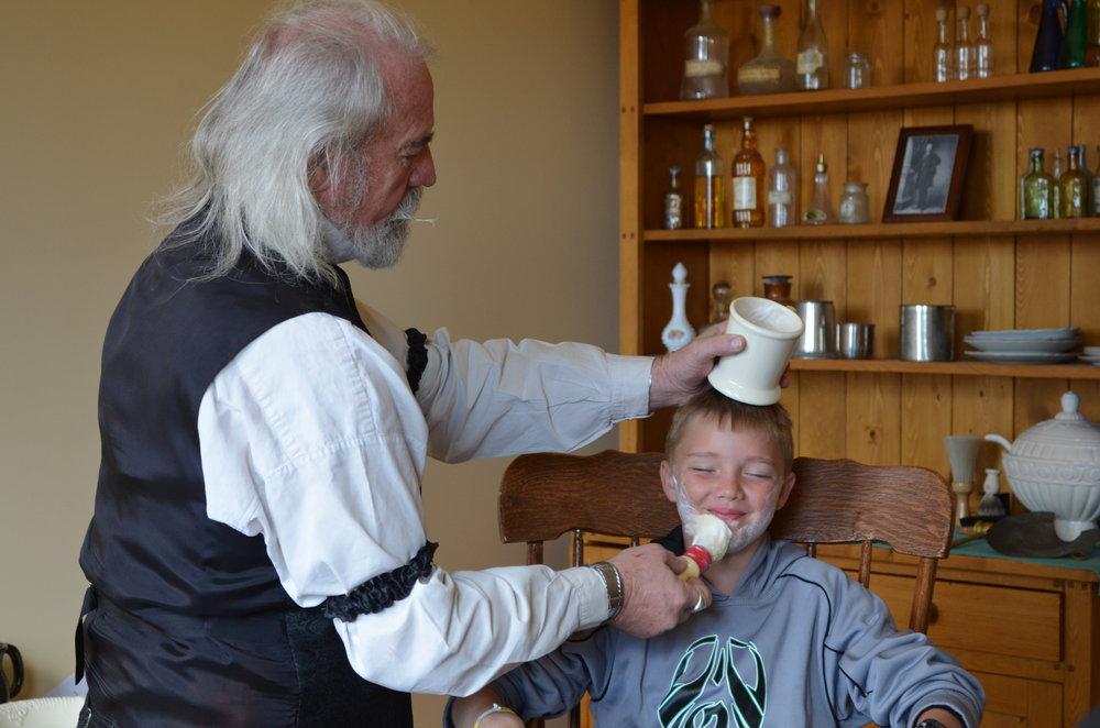 shaving-parlor.JPG