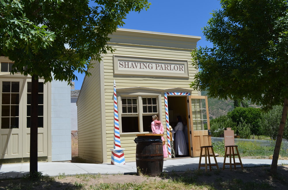 Shaving Parlor