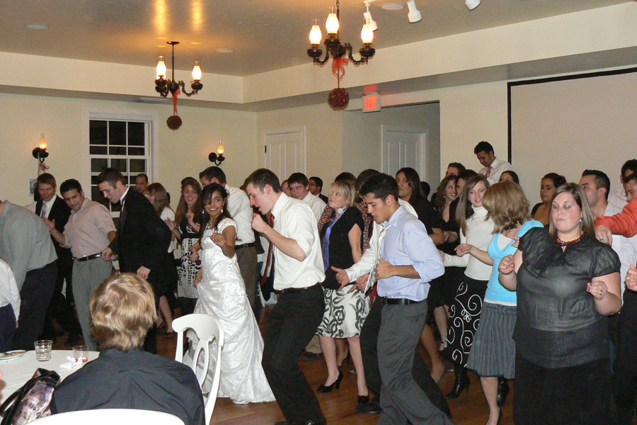dancing-at-wedding-reception-smoot-hall.jpg