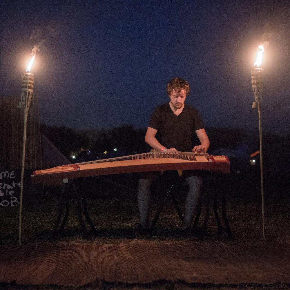 Guzheng at Folk Fest-1.jpg
