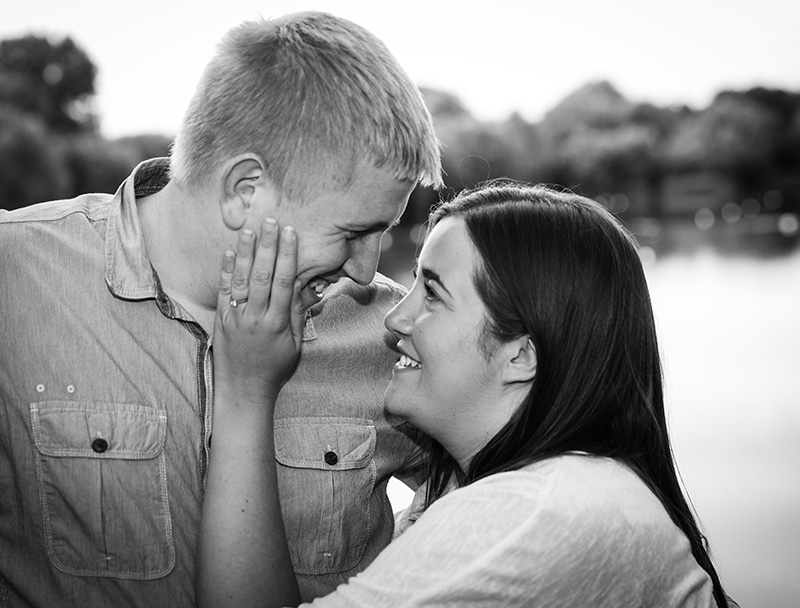 Engagement photography, Photographer, Cambridge, Picnic, black and white