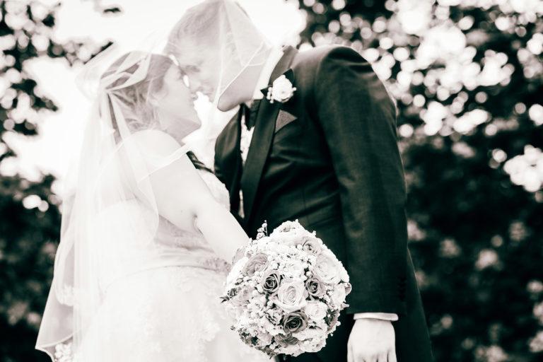 Wedding-Couple-Bouquet-768x512.jpg