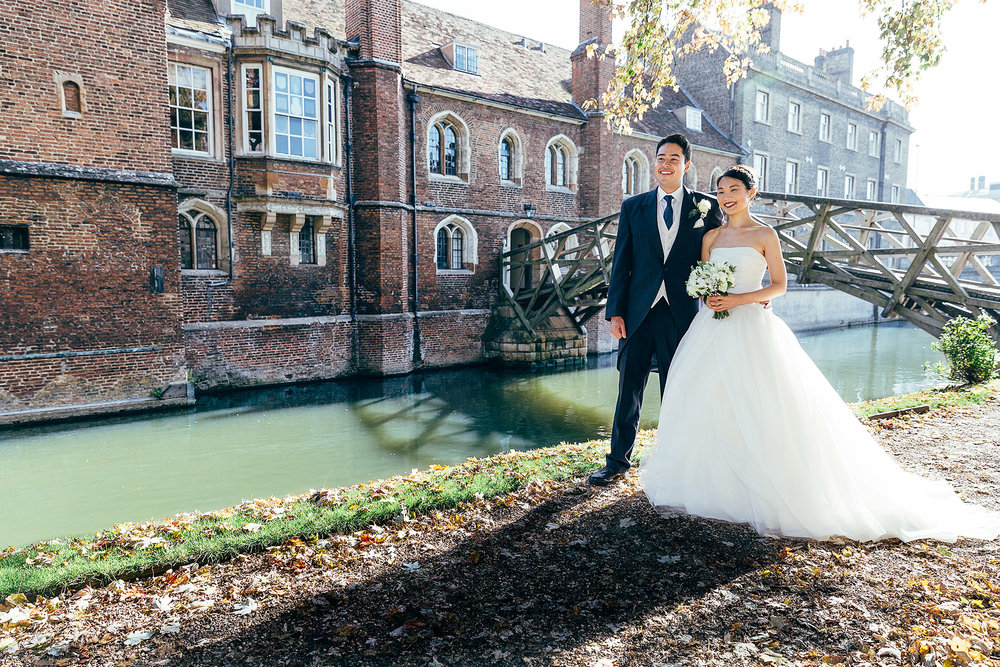 Wedding photography Queens university Cambridge