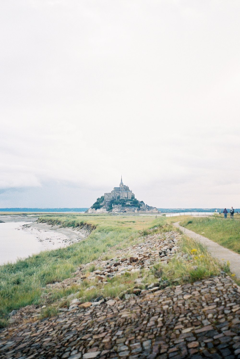 Kathryn Frugé Cincinanti Film Photographer France Kodak Portra 400 The Find Lab Paris Perpignan Mont St Michel_0011.jpg