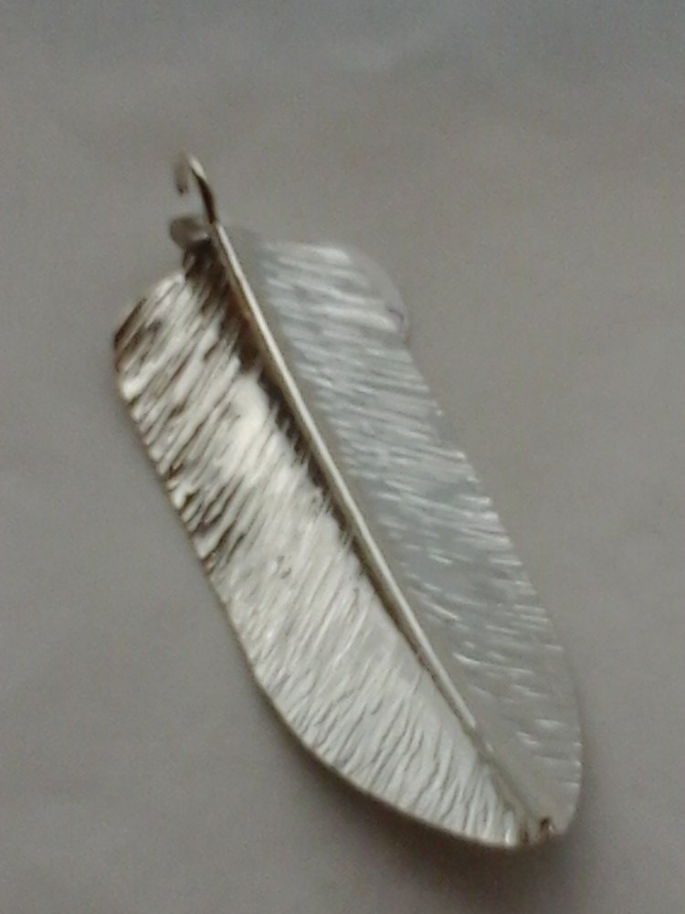Feather+Pendant+S+Silver.jpg