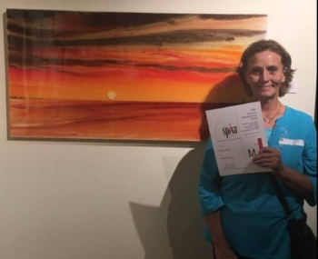 This month's Eclectix Art Gallery is artist Spiva Award winner Mary Lee. She works both in resin and in oils. Please enjoy this month's interview with her.