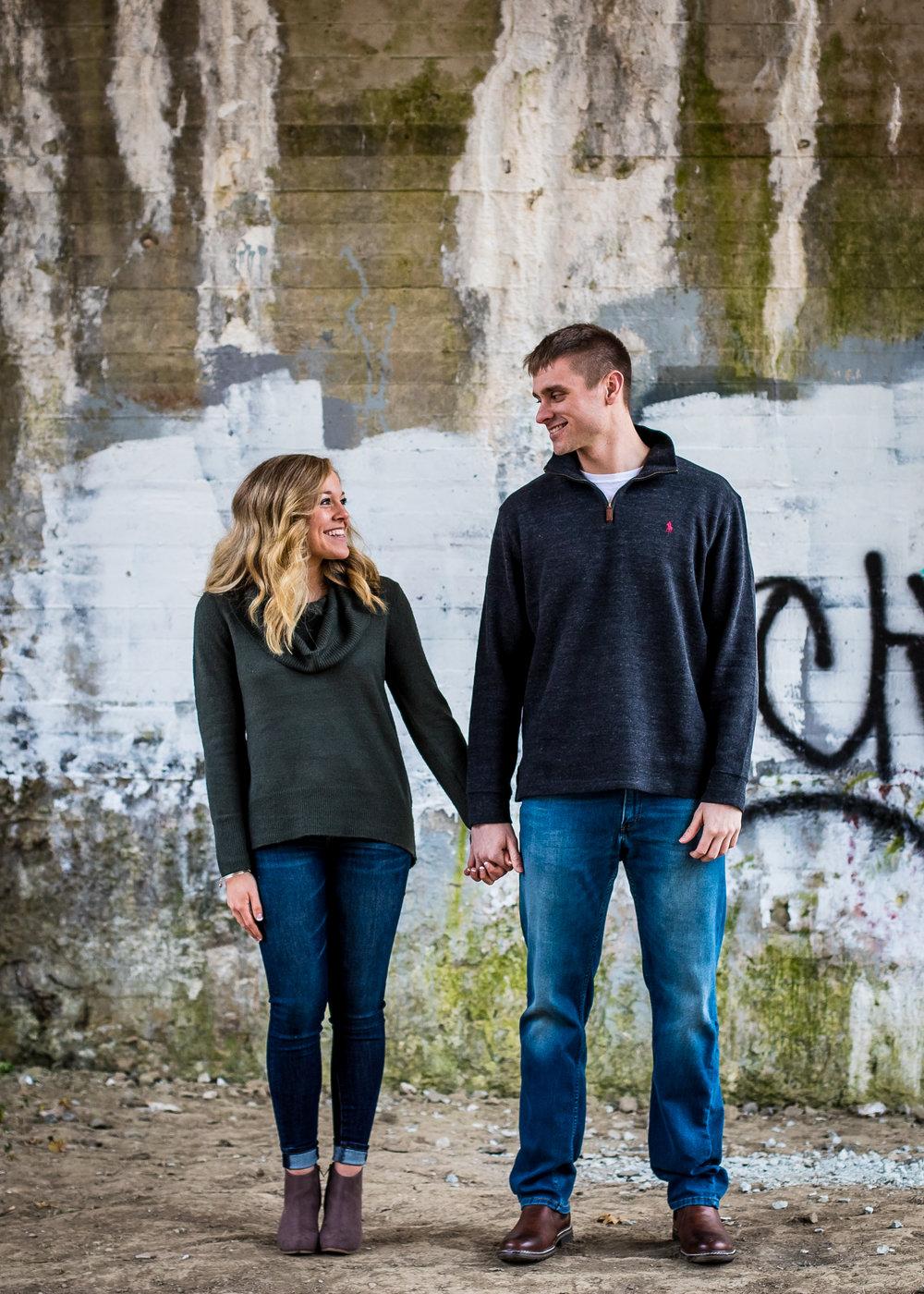 Indiana-Engagement session-wedding-photographer-pendlelton