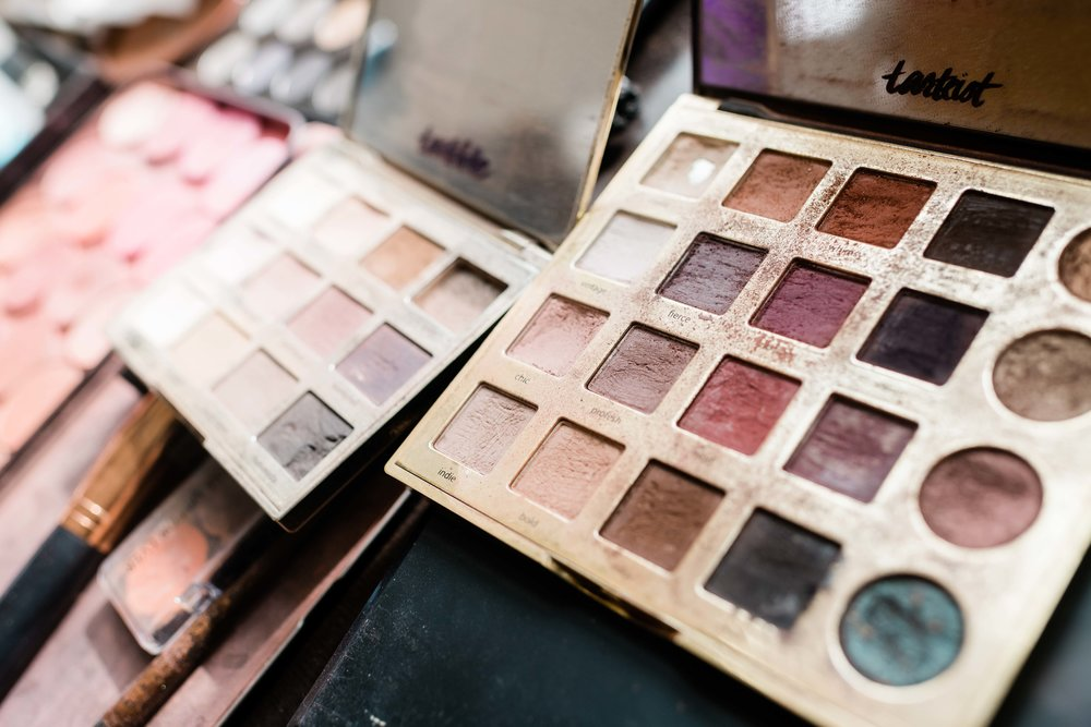Eyeshadow color palettes