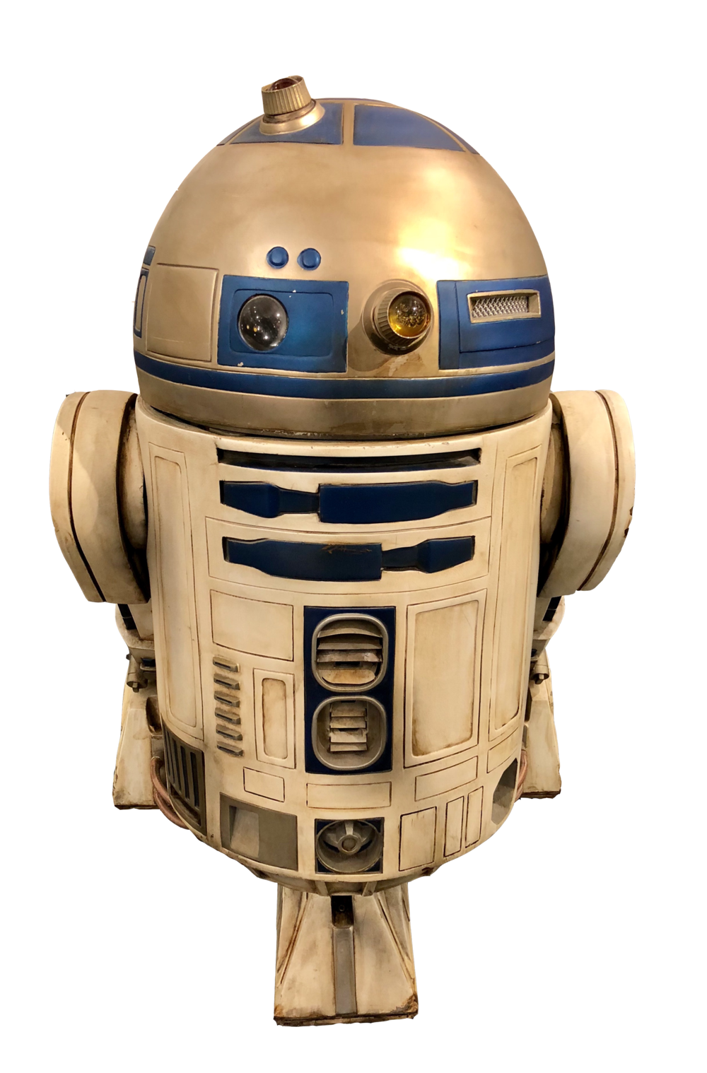 "This is the original, fully robotic R2D2, which was built in 1997, that operated daily at the Disney-MGM Studios at Walt Disney World.  At the time, it was initially created for us in ""Star Wars Weekends"" which ran from May to June of that year.  In 2001, it was then used in the ""Star Wars and Motorcars""parade, requiring it to travel nearly one mile a day, 7 days a week, 365 days a year!     This robot also appeared in numerous stage shows, meet and greet photo opps,  and presentations at the theme parks , including  the infamous ""Star Wars Weekends"" throughout 2013."